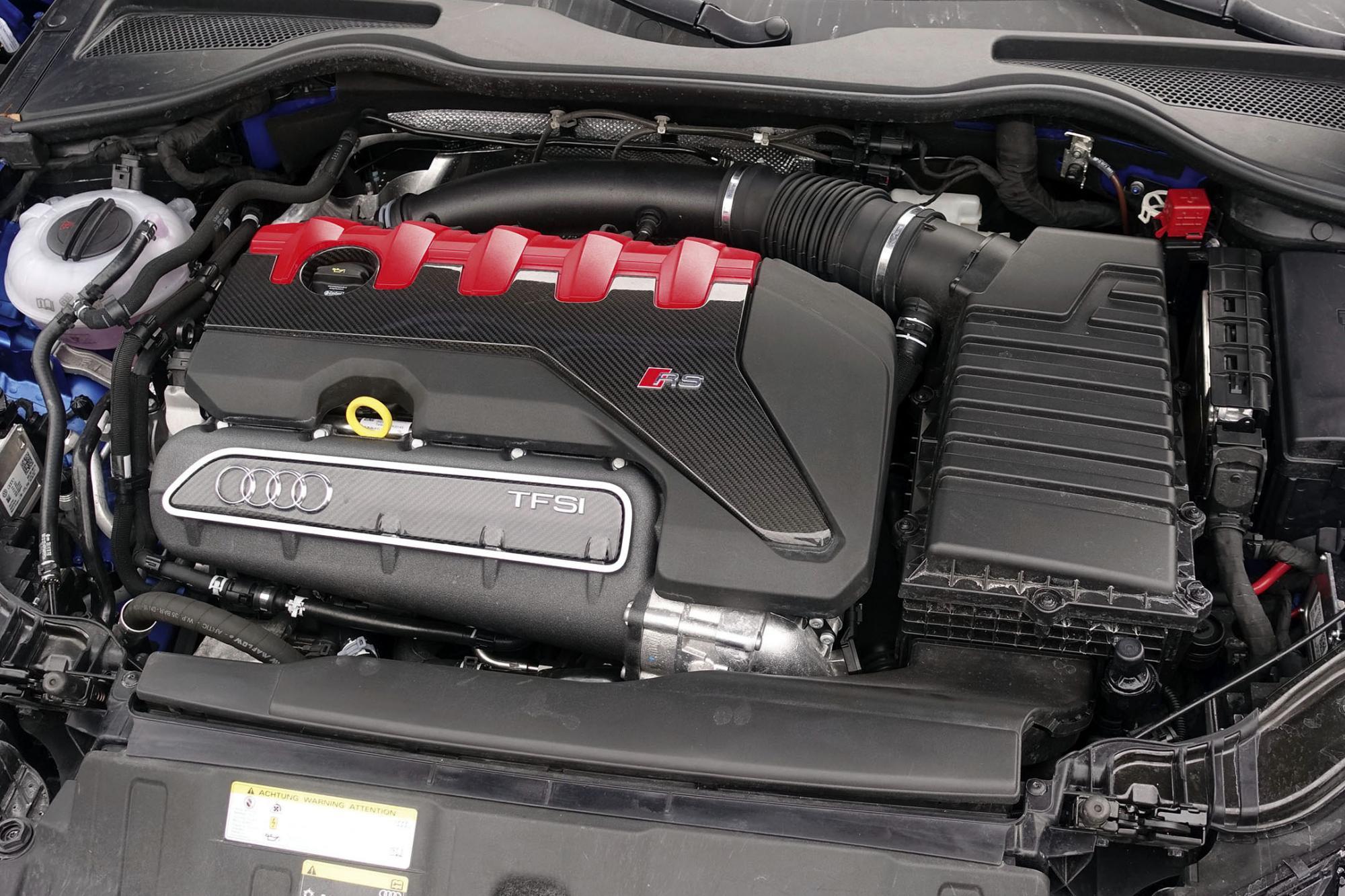 改良了的輕量化直五引擎,動力澎湃,而且扭力特別豐富。